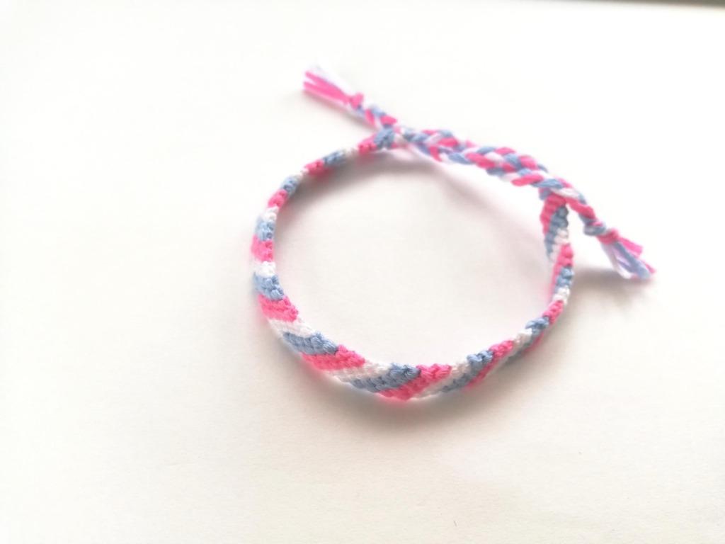 ミサンガ斜め編み